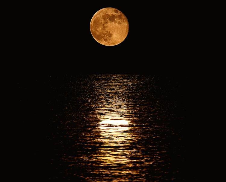 z-bad-moon.jpg (950×764)